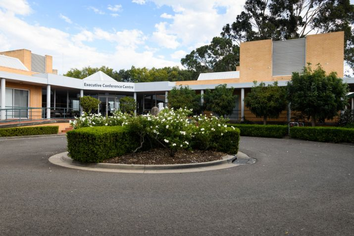 Main entrance to MGSM north ryde executive hotel and conference centre