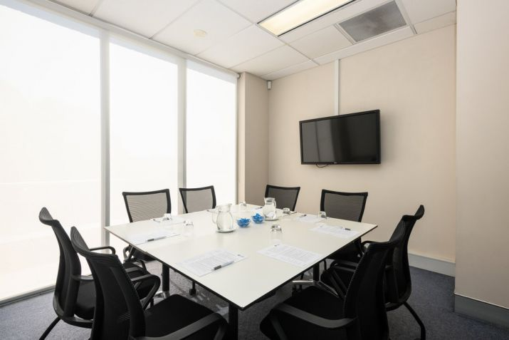 Single Syndicate Room